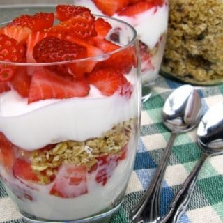 Breakfast Yogurt Granola Parfait