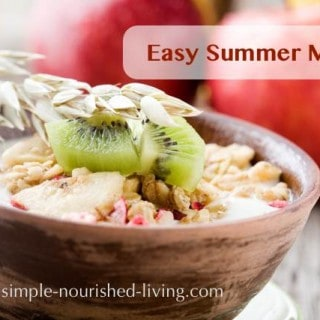 Easy Healthy Summer Muesli Recipe with Oats and Fruit (AKA Overnight Oats)