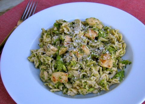 Skinny Chicken Broccoli Pasta - 8 WW Freestyle SmartPoints