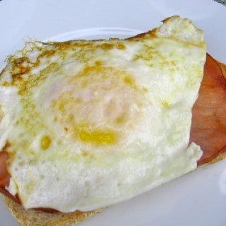 Healthy Breakfast Egg Sandwiches