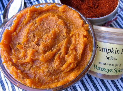 Skinny Mashed Sweet Potatoes with pumpkin pie spice and chimayo chile powder