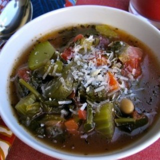Healthy Lunch ideas for Weight Loss: Healthy Tuscan Vegetable & White Bean Soup