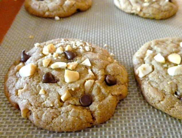 WW Chocolate Chip Cookies with Salted Peanuts on slipat