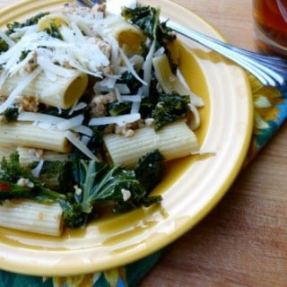 Weight Watchers Pasta with Italian Chicken Sausage and Kale – 9 SmartPoints