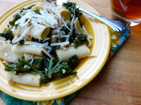 Weight Watchers Pasta with Italian Chicken Sausage and Kale - Simple ...