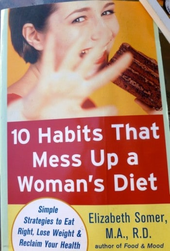 10 Habits That Mess Up a Woman's Diet