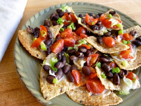 Skinny Cheese and Black Bean Nachos | Weight Watchers Recipes