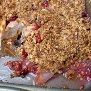 Apple, Pear, Cranberry Crisp with Gingersnap Topping – 7 SmartPoints