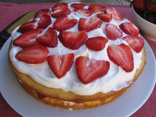 Weight Watchers Friendly Skinny Strawberry Cake - 8 Freestyle SmartPoints