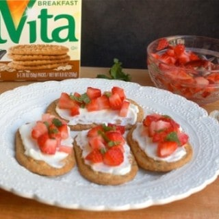 Weight Watchers Belvita Strawberry Dessert Bruschetta