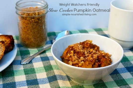 Slow Cooker Pumpkin Pie Oatmeal with Streusel Topping