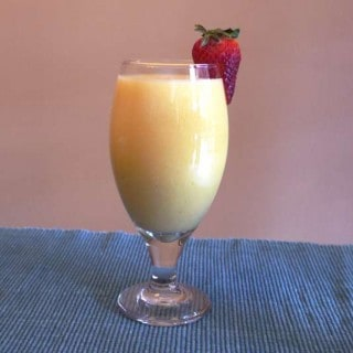 Pineapple Coconut Mango Smoothie