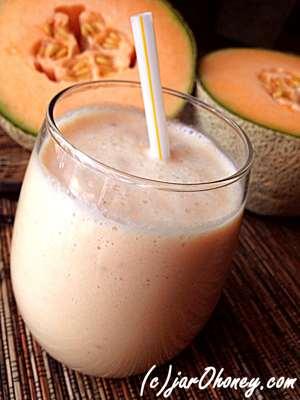Creamy Cantaloupe Smoothie by Jar o Honey