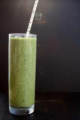 Spinach Kiwi Chia Seed Smoothie