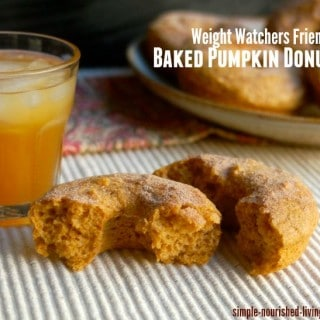 Weight Watchers Friendly Healthy Baked Pumpkin Doughnuts -5 SmartPoints