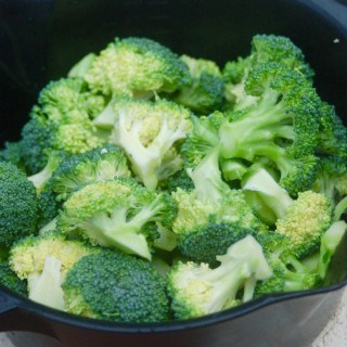 broccoli in pampered chef microwave steamer