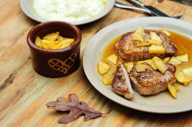 Easy Healthy Recipe for Oven Baked Pork Chops with Apples