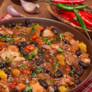 Slow Cooker Pumpkin Black Bean Chili – 0 WW Freestyle SmartPoints