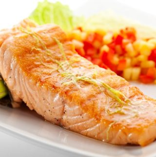 Weight Watchers Honey Lime Salmon with Confetti Corn Salad Recipe – 2 Freestyle SmartPoints