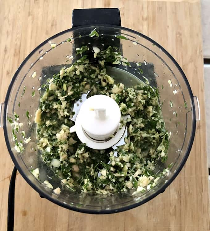 Garlic, ginger and mint chopped in food processor