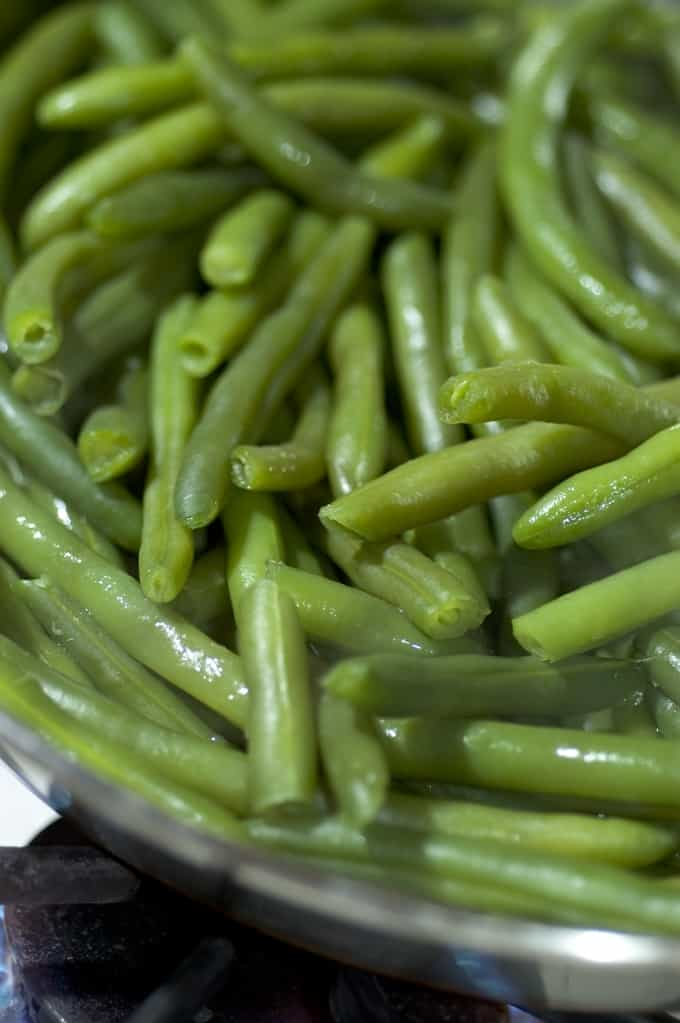 Steamed green beans up close.