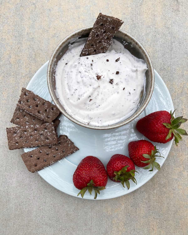Cookies 'n Cream Dip with chocolate graham crackers and strawberries
